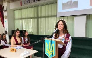 дебати кандидатів в учнівського президенти української гімназії №1